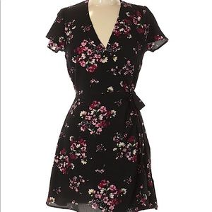 NWT H&M Divided Black Floral True Wrap Dress 6